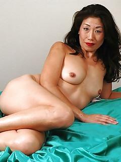 Asian Moms Pics
